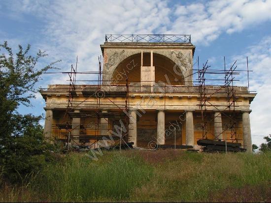 Zámek Apollonův chrám