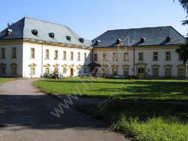 Zámek Černíkovice
