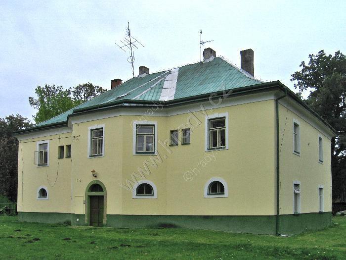 Zámek Helvíkovice