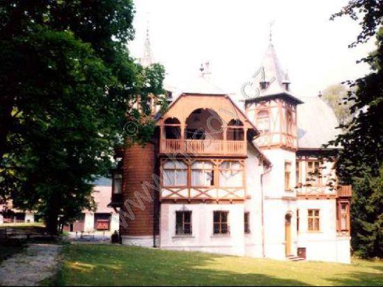 Zámek Karlov
