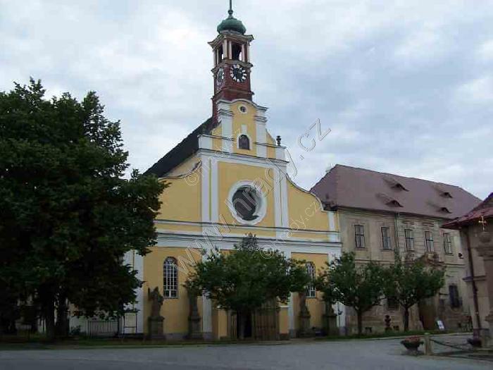 klášter benediktinů s kostelem Nanebevzetí Panny Marie