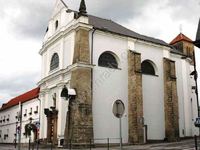 klášter františkánů s kostelem sv. Františka Serafínského