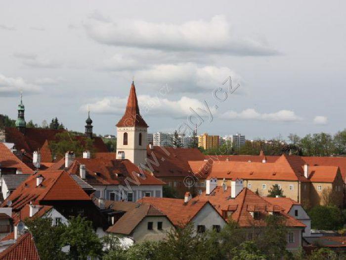 klášter křižovníků s červenou hvězdou (minoritů a klarisek) s kostelem Božího těla