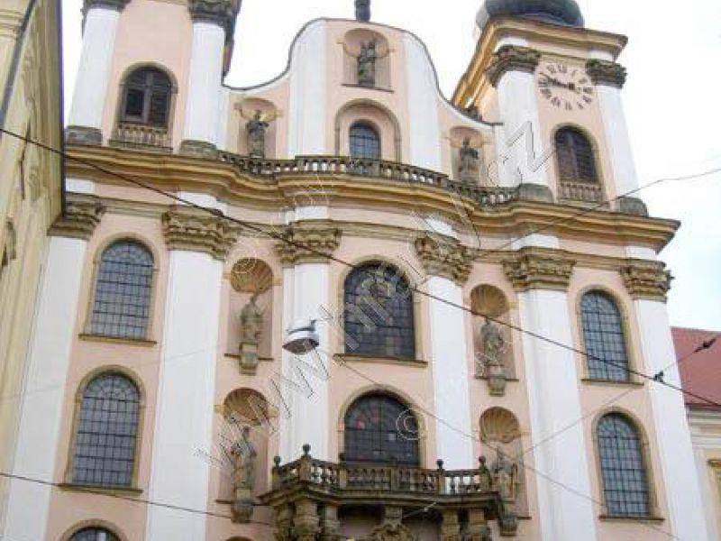 kolej jezuitů s kostelem Panny Marie Sněžné