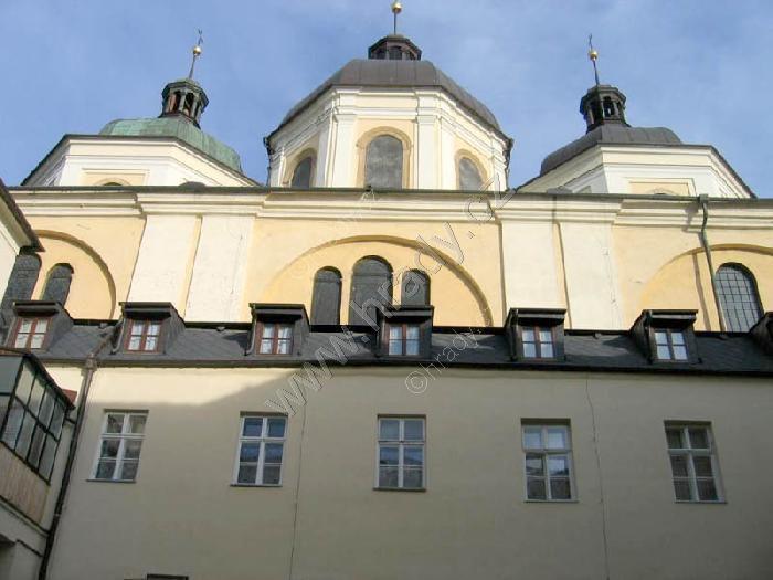 kostel sv. Michala s klášterem dominikánů