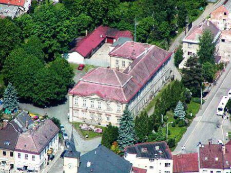 Zámek Lomnice nad Popelkou