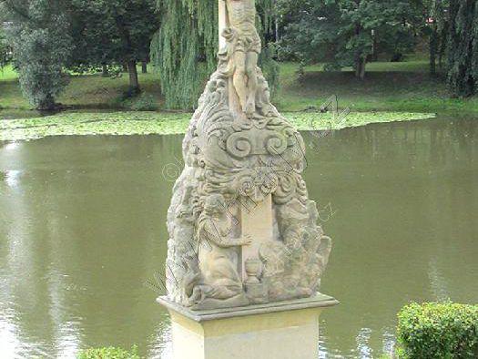 sochy pod libochovickým zámkem