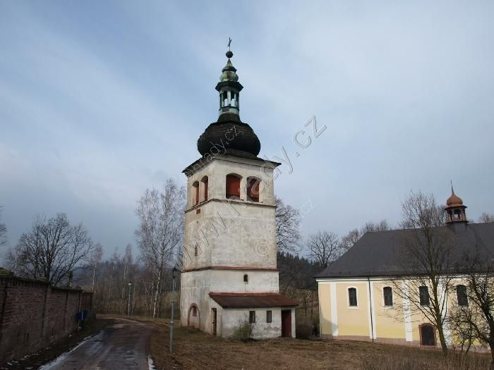 zvonice u kostela sv. Kateřiny Alexandrijské