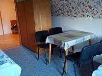 pokoje č. 3 a 4 v 1. patře - chata k pronájmu Horní Bečva