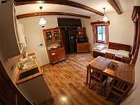 Apartmán č. 1 - kuchyně - chalupa k pronajmutí Krásná