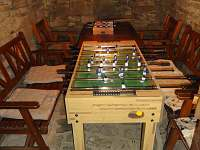 Sklípek - stolní fotbal - chalupa k pronájmu Krásná