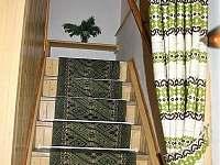 schodiště do patra - pronájem chalupy Mosty u Jablůnkova - Šance