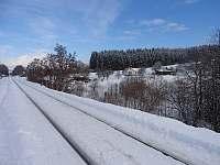 Směr Vsetín nádraží odkud jste přijeli je 300 m za vašimi zády - chata k pronájmu Valašské Klobouky
