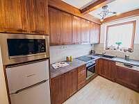 Apartmán SUPERIOR 80 m2 - plně vybavená kuchyň - Bílá