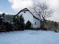 celkový pohled v zimě - chata k pronájmu Vidče