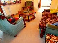 Obývací pokoj klidu - chata k pronajmutí Nýdek
