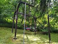 dětské hřiště - chata k pronájmu Chvalčov