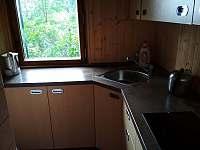 kuchyně - chata k pronajmutí Chvalčov
