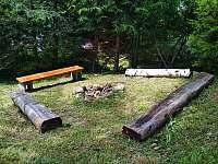 ohniště - chata k pronajmutí Chvalčov