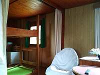 pohled do ložnice - pronájem chaty Chvalčov