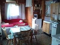 obytná místnost rozkládací pohovka - chata k pronajmutí Horní Bečva