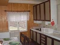 kuchyňka chata 8 lůžková