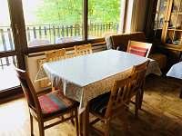 chata Rusava,jídelní kout
