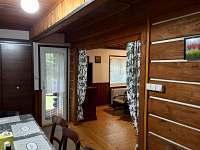 Jídelna spojená s obývacím pokojem
