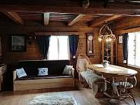 Společenská místnost - chalupa k pronájmu Velké Karlovice - Jezerné