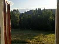 výhled ze spol. místnosti - Velké Karlovice - Jezerné