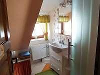 ,,koupelnička,, v podkroví - chalupa k pronájmu Prostřední Bečva
