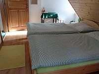 ZELENÝ pokojík v podkroví - pronájem chalupy Prostřední Bečva