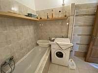 Koupelna apartmán 1 - chalupa k pronájmu Hukvaldy