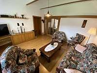 společenská místnost apartmán 1 - pronájem chalupy Hukvaldy