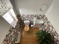 WC apartmán 1 - chalupa k pronájmu Hukvaldy