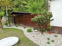 Zahrada - chalupa ubytování Rusava 216