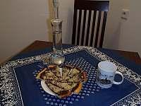 tradiční frgály a trnková slivovice - chalupa k pronajmutí Velké Karlovice