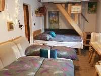 ložnice pro 4 hosty s podlahovým vytápěním - apartmán ubytování Řeka