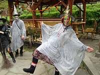 takto u nás rekreanti slaví pálení čarodejnic - Řeka