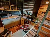 Plné vybavena kuchyň s myčkou na nádobí - chata k pronájmu Prostřední Bečva