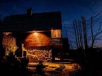 večerní osvícení chaty - Prostřední Bečva