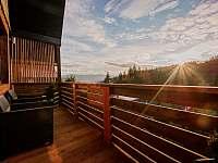 Výhled z chaty balkonu na vrch hory Soláň - ubytování Prostřední Bečva