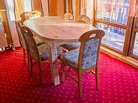 Společenská místnost - chata k pronajmutí Prostřední Bečva