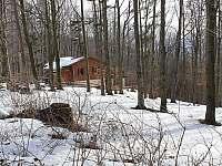 Chata u prašivé Vyšní Lhoty - Březen