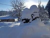 Pohled do zahrady - chata k pronájmu Horní Bečva