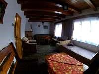 obývací pokoj - chata k pronajmutí Hukvaldy
