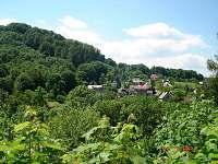 pohled na obec Hukvaldy -