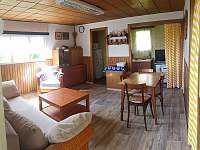 Obývací pokoj, třetí pohled - chata k pronajmutí Lukov