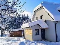 Chalupa v zimě - k pronajmutí Horní Bečva