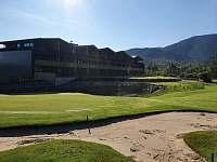 Pohled z golf.hřiště - apartmán k pronájmu Čeladná